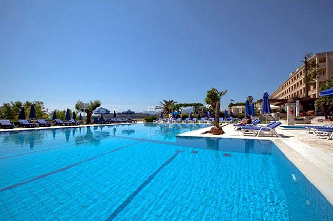 По отзывам туристов лучший отель на острове Корфу Hotel Corfu Palace 5*