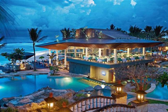 Комплекс Nikko Bali Villas 5* - это тропический уголок на побережье в 5 минутах ходьбы от пляжа Саванган